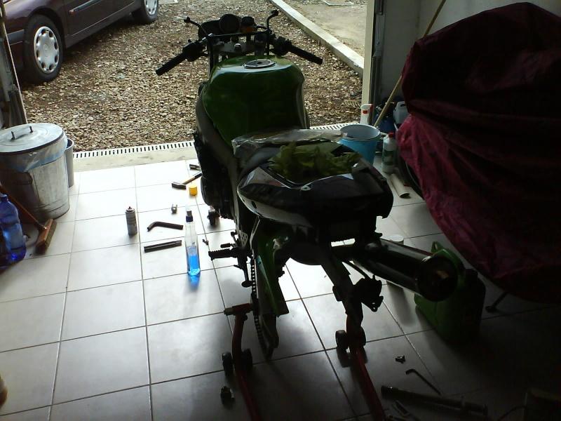 Preparation zx6r 98 pour piste. en avant :) Dsc01021