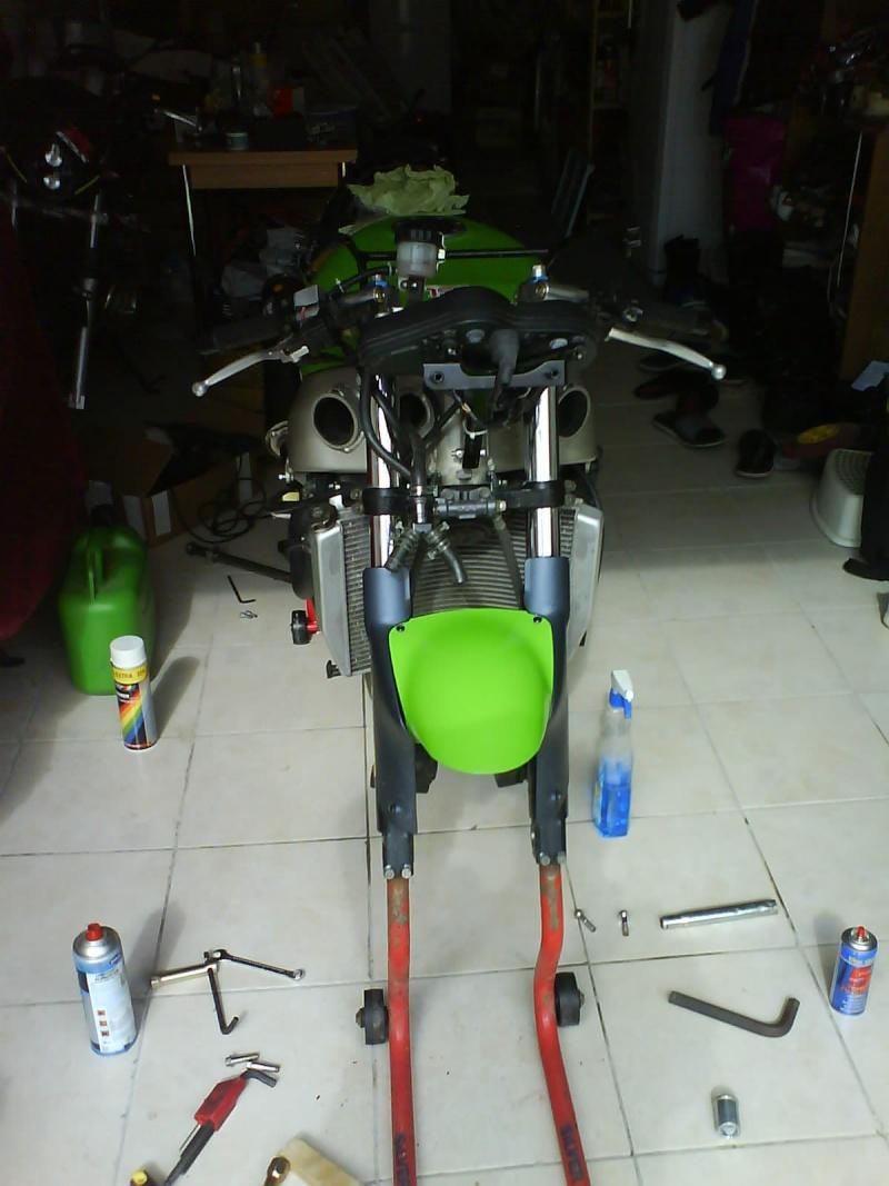 Preparation zx6r 98 pour piste. en avant :) Dsc01022