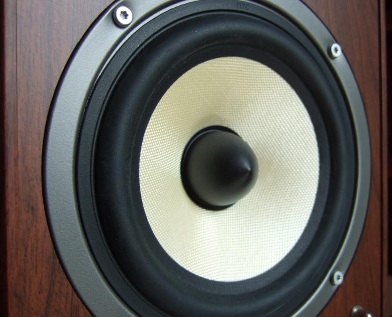 [Prova di ascolto]Mini diffusori Mohr KL20 Dscf1415