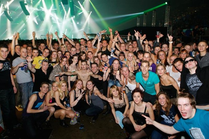 [ Q-DANCE Presents SCANTRAXX TEN YEARS -14 Avril 2012 - Heineken Music Hall - Amsterdam - NL ] - Page 6 80476010