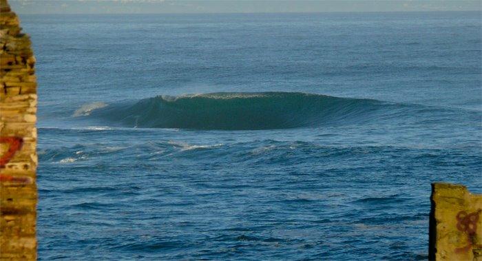 alguien sabe de donde es esta ola???(esta en el litoral cantabrico) Sin2bt10