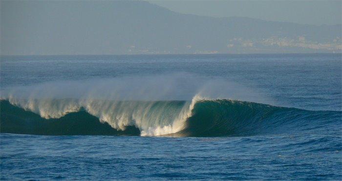 alguien sabe de donde es esta ola???(esta en el litoral cantabrico) Sin2bt12