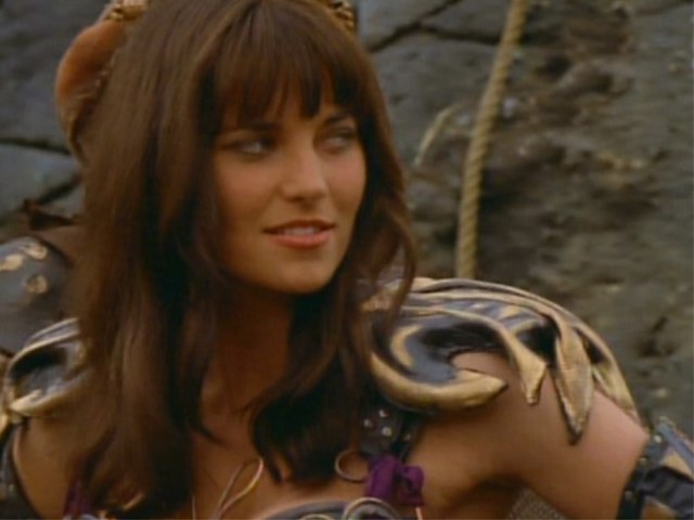 Blonde ou brune (Lucy Lawless) - Page 5 Warrio10