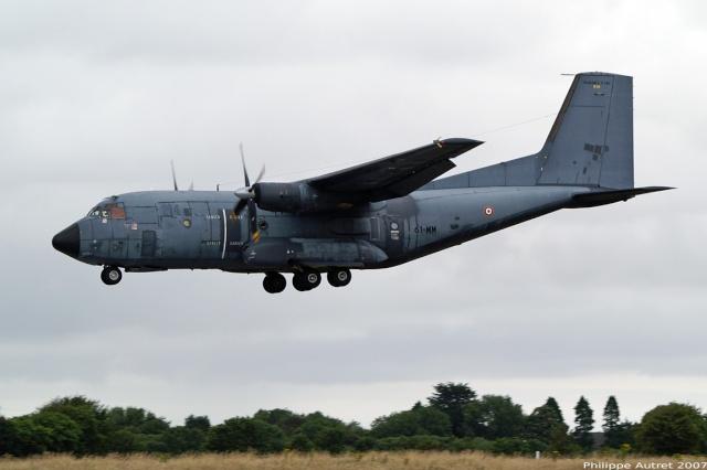 Le Transall n°18 qui avait participé au largage de parachutistes du 2e REP et du 13e RDP en 1978, sur Kolwezi rejoind le musée de l'air du Bourget 179110