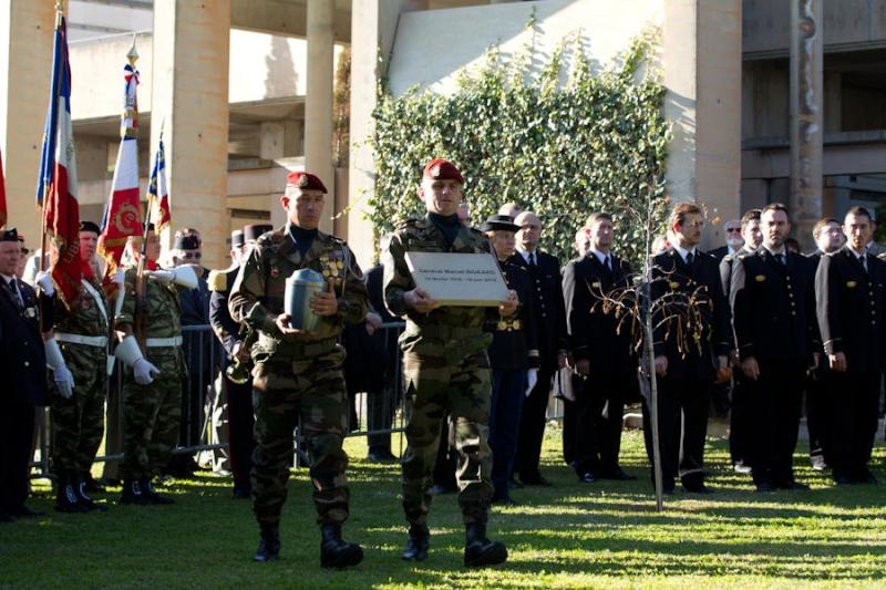 20 novembre 2012 le général Bigeard rejoindra ses compagnons d'armes au mémorial des guerres d'Indochine à Fréjus où une stèle sera dévoilée Cendre11