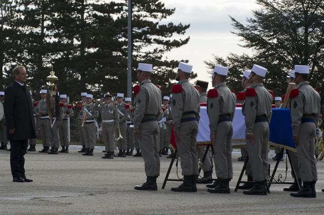 Un légionnaire du 2e REG tué en Afghanistan Hommag12