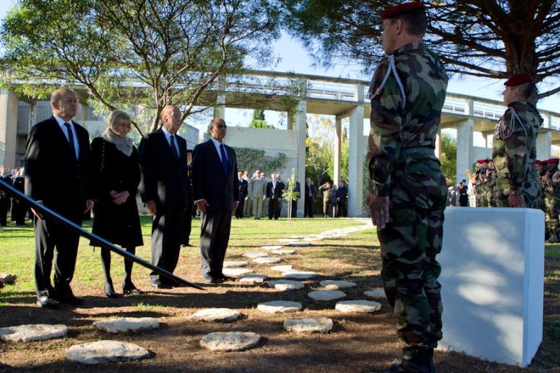 20 novembre 2012 le général Bigeard rejoindra ses compagnons d'armes au mémorial des guerres d'Indochine à Fréjus où une stèle sera dévoilée Hommag15