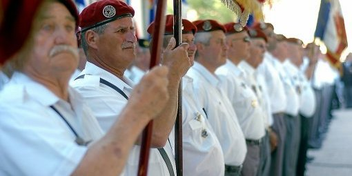 49e congrès de l'Union Nationale des Parachutistes à Nîmes Pres-d10