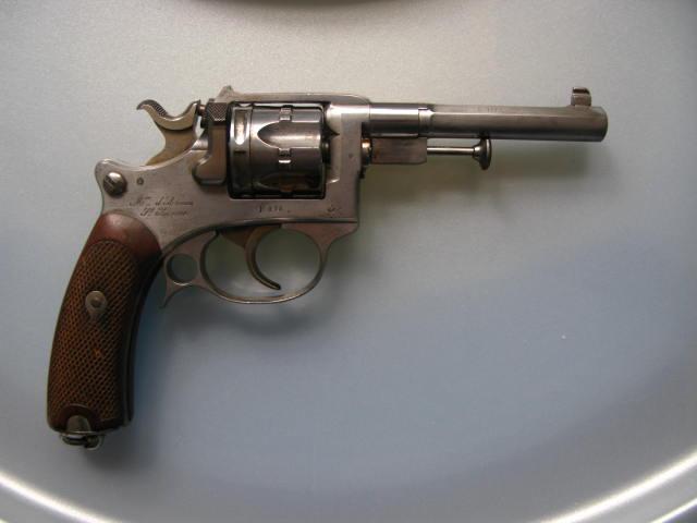 revolver ressemblant à un 92 Img_0914