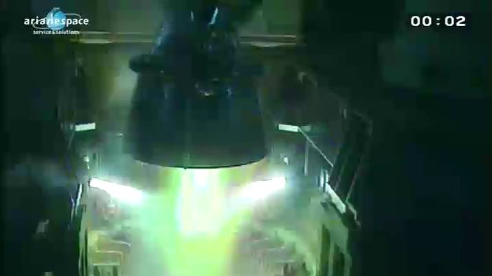 Lancement Ariane 5 ECA VA206 / JCSAT-13 + VinaSat-2 - 15 mai 2012 - Page 2 Capt_h37