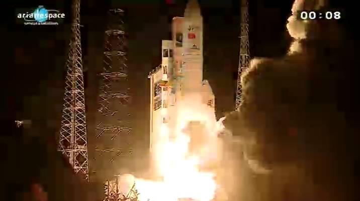Lancement Ariane 5 ECA VA206 / JCSAT-13 + VinaSat-2 - 15 mai 2012 - Page 2 Capt_h40