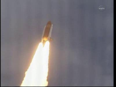 [STS-135, vol final] Suivi du lancement d'Atlantis (08/07/11 à 15h26 GMT) - Page 9 Vlcsna32