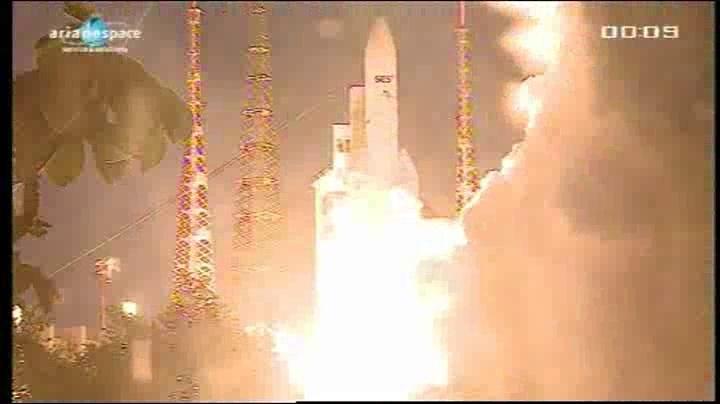 Lancement Ariane 5 VA204 / SES 2 + Arabsat 5C - 21 septembre 2011 [succès] - Page 3 Vlcsna47