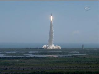 Lancement Atlas-5 avec la sonde Juno - Page 6 Vlcsna72