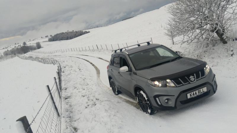 SNOW PICTURES........SHOW US YOUR VITARA! Img_2050