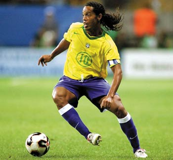 [Barcelona] Ronaldinho fica Ronald10