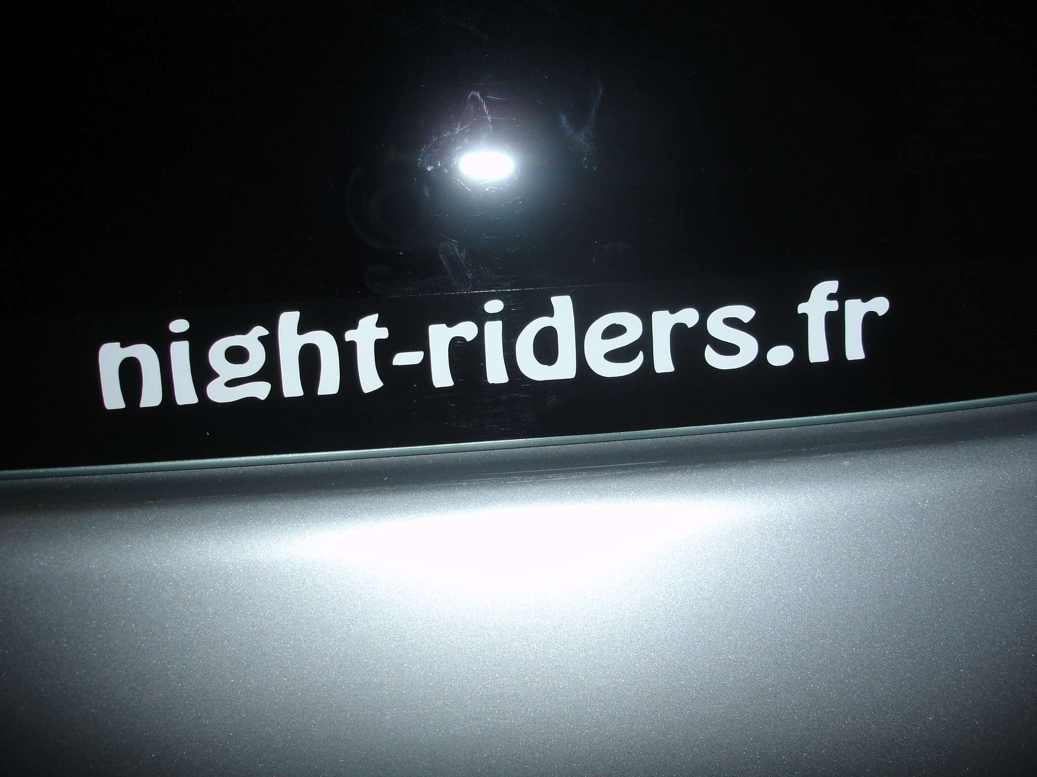 Stickers/autocollants pour le forum Dsc03921