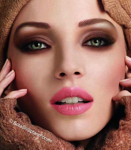 Make-up ... Foto...  - Faqe 4 2122