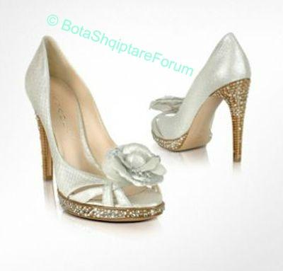 Këpucët e nuses! - Faqe 5 955