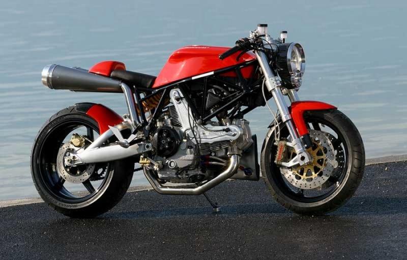 delire numerique  ,je poste ici  j espere pas etre le seul.. Ducati16