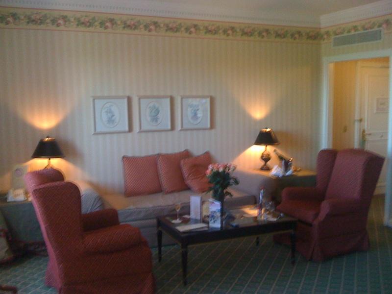 Vos PHOTOS des SUITES (Castle Club, Empire State Club,...) dans les hôtels de DLRP - Page 7 Photo_12