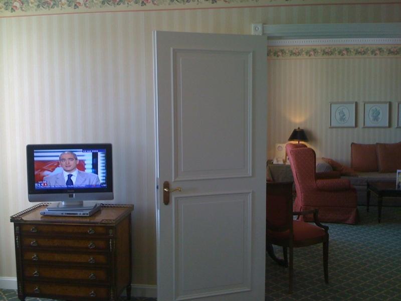 Vos PHOTOS des SUITES (Castle Club, Empire State Club,...) dans les hôtels de DLRP - Page 7 Photo_15