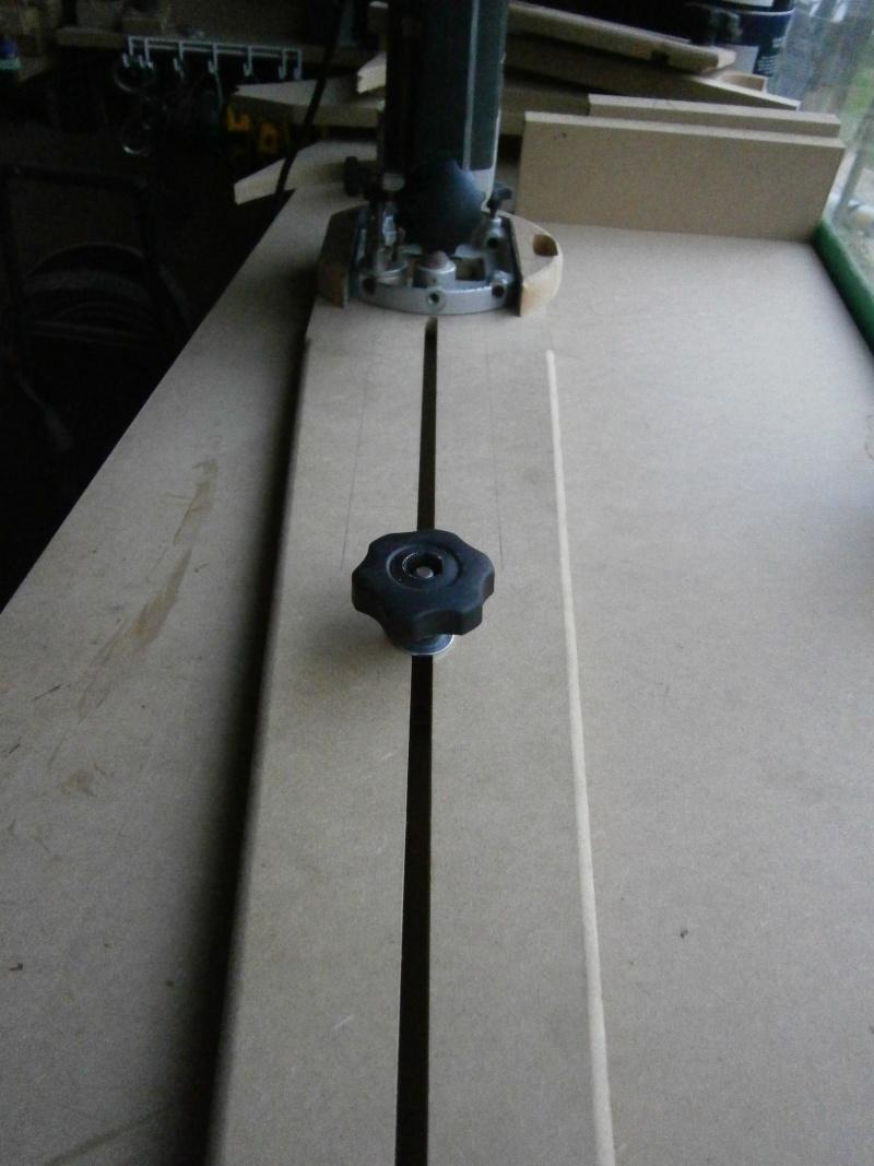 Compas/Guide pour défonceuse... P1050113