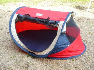 Tente/lit pop-up de Prémaxx P1040811