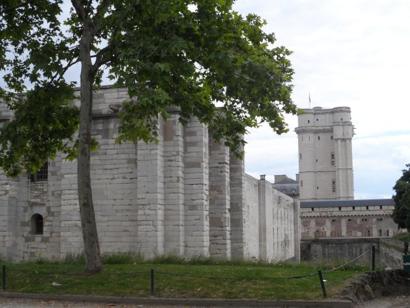 le château de Vincennes - Page 2 Sam_0325