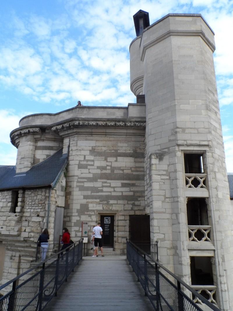 le château de Vincennes - Page 2 Sam_0348