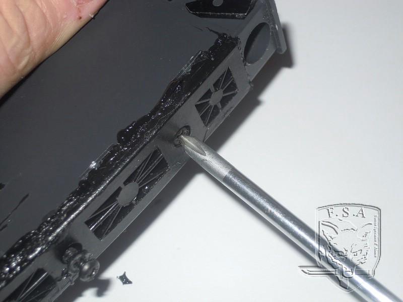 [Tuto] Réparation chargeur V1 GBBr (ici un chargeur de Scar ou M4 WE) Dscn2715