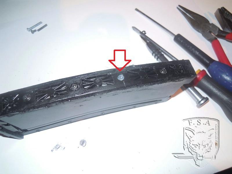 [Tuto] Réparation chargeur V1 GBBr (ici un chargeur de Scar ou M4 WE) Dscn2728