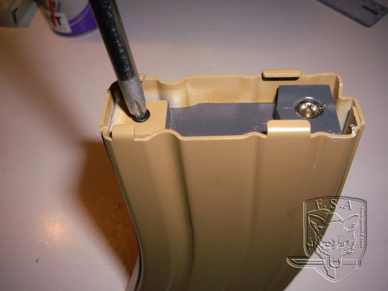 [Tuto] Réparation chargeur V1 GBBr (ici un chargeur de Scar ou M4 WE) Imgp3812