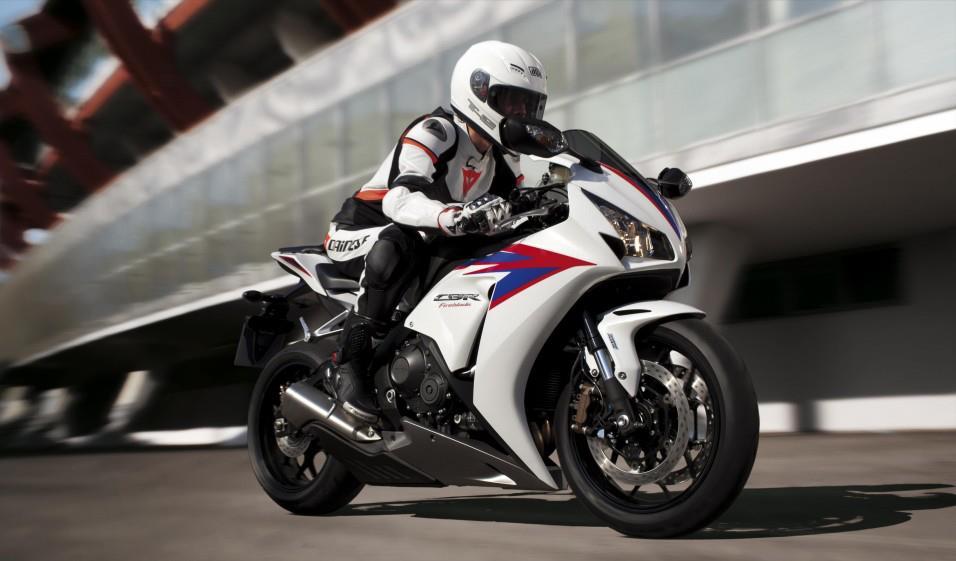 Honda CBR 1000 RR - 2012 (em exposição) 42055710