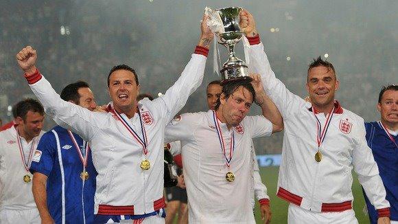 Une belle victoire au Soccer Aid =) 12matc15