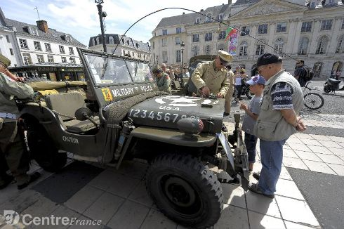 Commémoration Aout 2012 : Le 16 août 1944, la ville d'Orléans était libérée par les troupes américaines 80323710