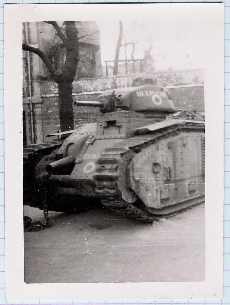 """[photo] le char B1bis """"Mulhouse"""" abandonné du côté d'Orléans le 15 Juin 1940 Char_f10"""