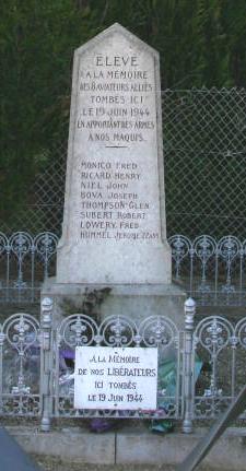FERRIERES EN GATINAIS - Stèle du B-24 Liberator Sans_t11