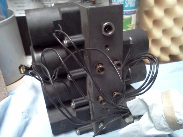 P38 - bloc valves Img20166