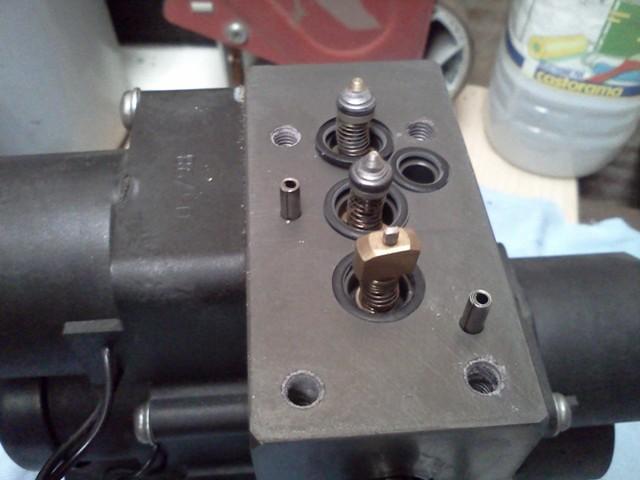 P38 - bloc valves Img20167