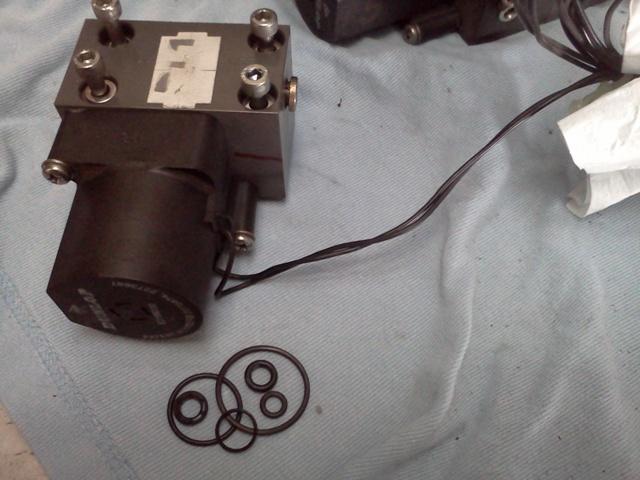 P38 - bloc valves Img20169