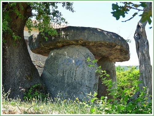 Dolmen de Draguignan: Pierre de la Fée Pierre11