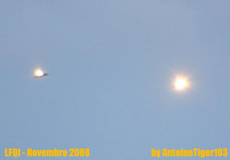 2009: le /11 à ~19h30 - Boule / ellipse jaune brillanteLumière étrange dans le ciel  - Village (59)  Img_3913