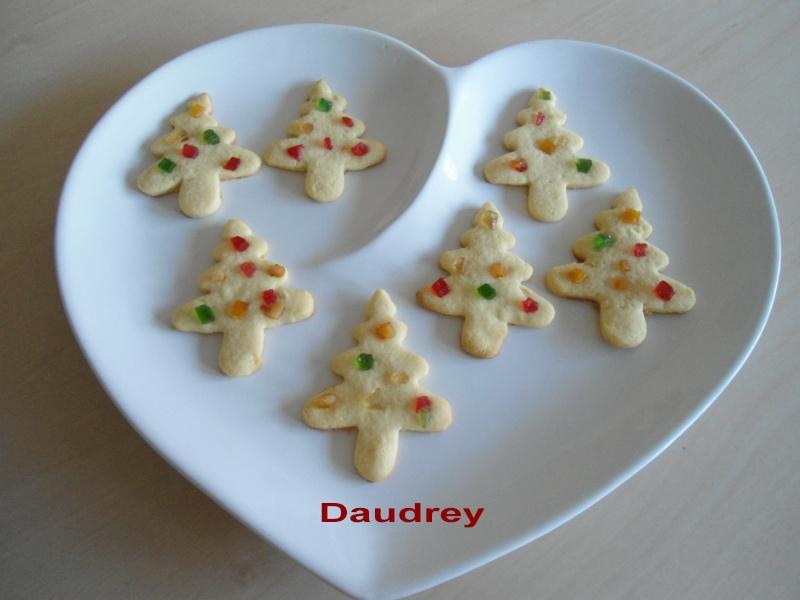 Décembre 2011 : biscuits décorés Dsc09021