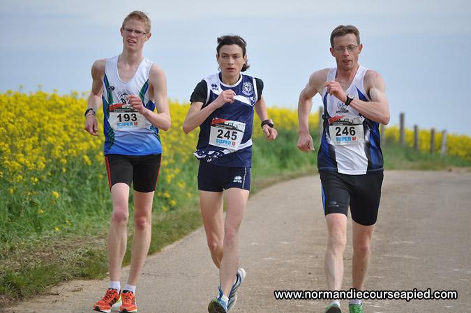 10km marche du Semi-marathon de Normandie: 05/10/2014 Adsc_010