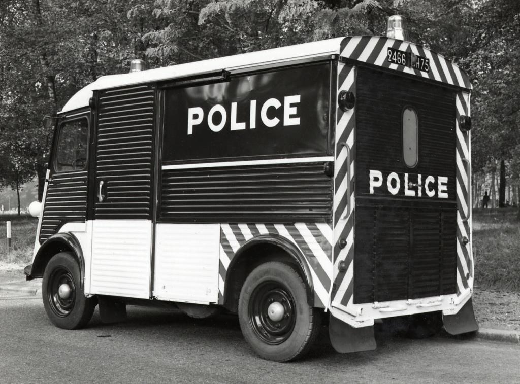 "Citroën ""H"" Police 1961-c12"