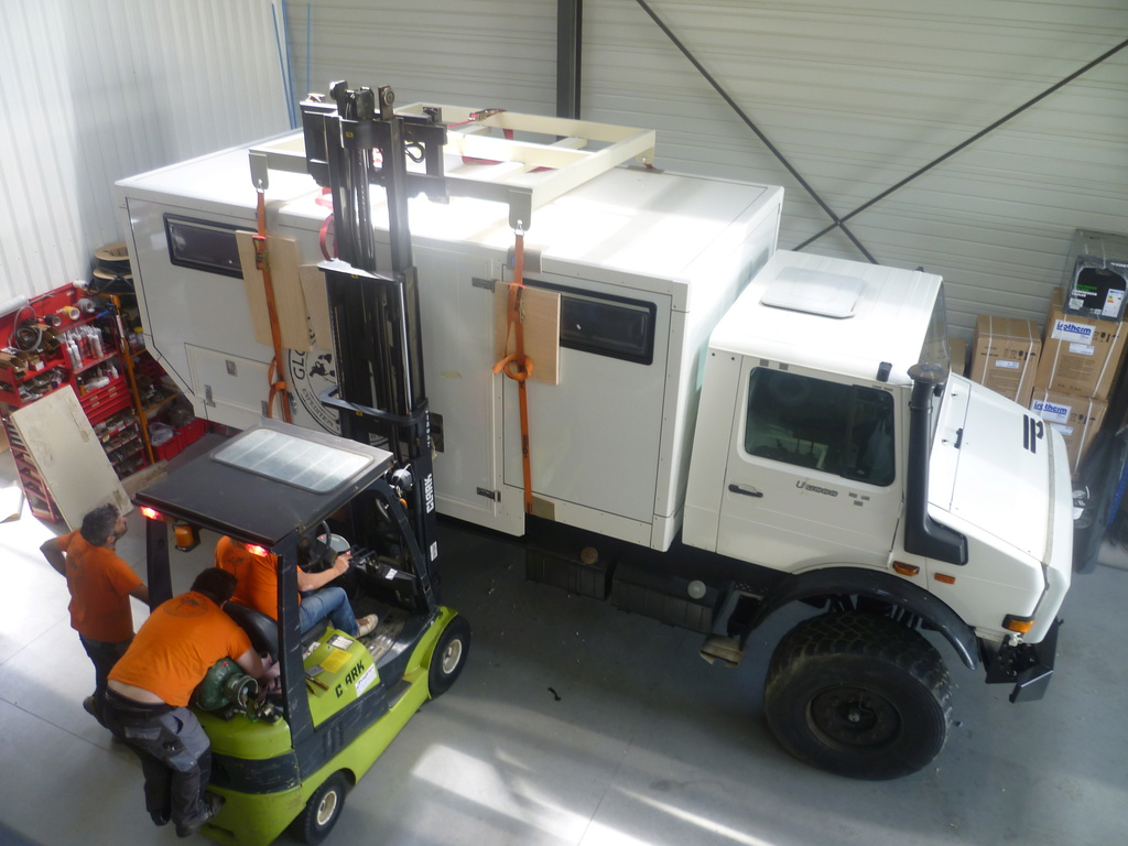 mon futur Camping car unimog 2450  - Page 8 P1050414
