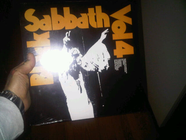 Anyone Collect Vinyl-Records That is! Black_10