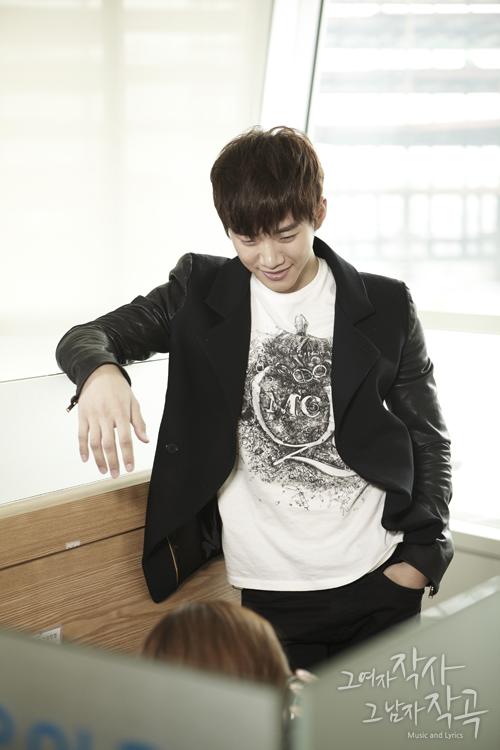 [19.03.12] [PICS] Junho & Kim So Eun - Music and Lyrics 2635