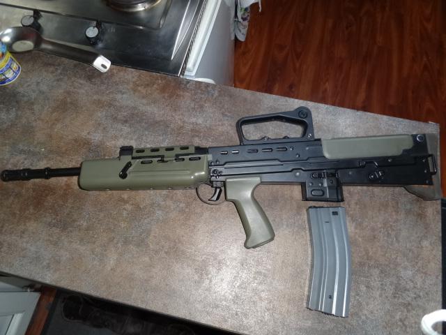 vend l85 army  100e Dsc00816